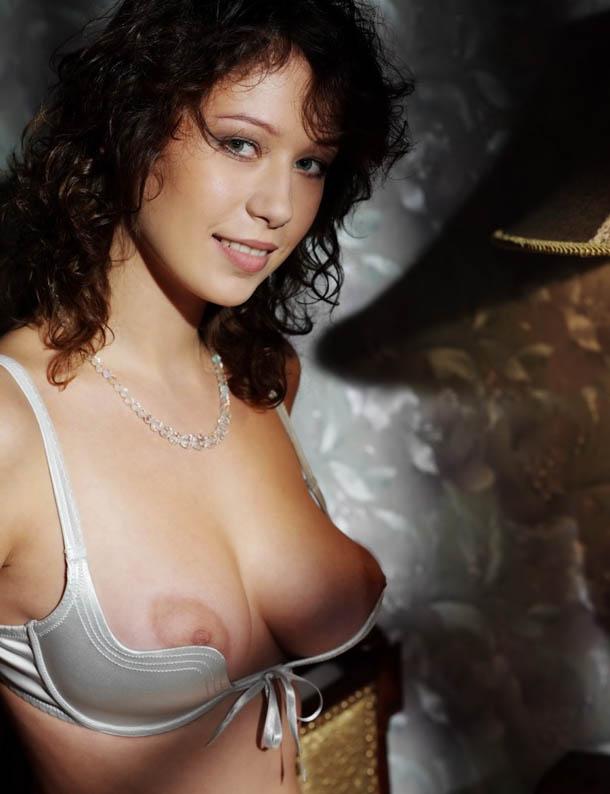 Clasificadox-fotos-morena-desnuda-erotica- (3)