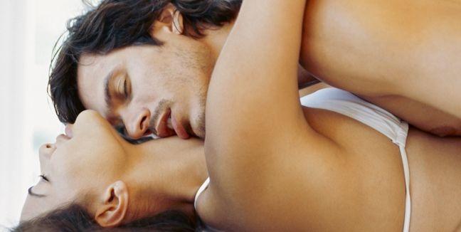 pareja-sexo-orgasmo-masculino-hombre