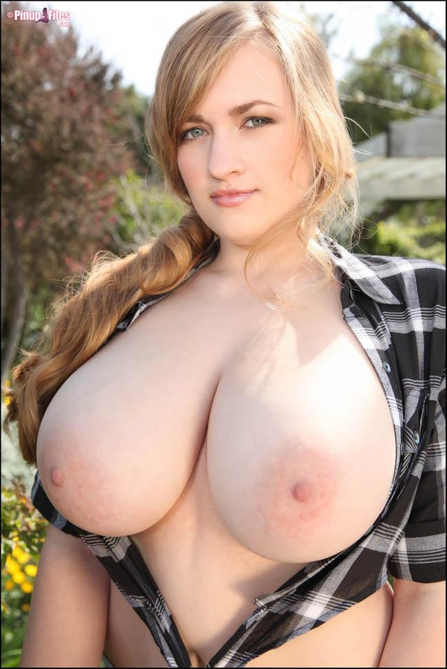 enormes-pechos-chicas-sexys-clasificadox- (26)