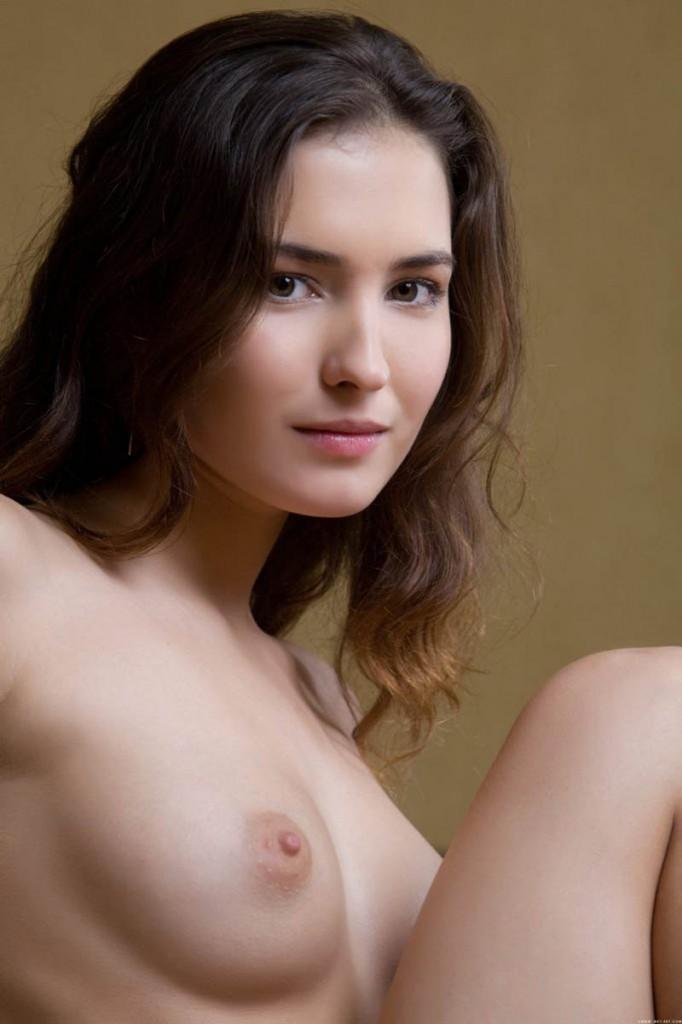 morena-desnuda-clasificadox (15)